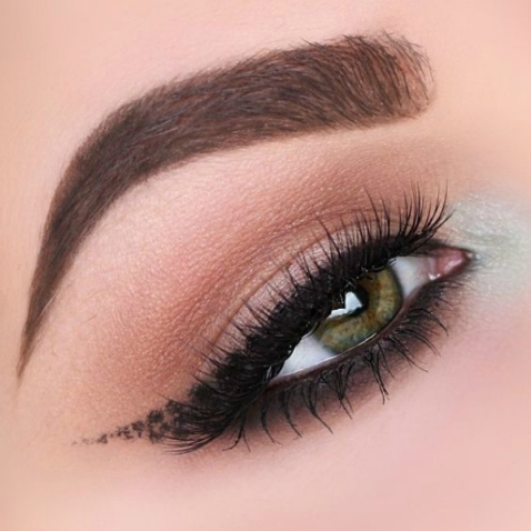 smudged-smokey-eyeliner